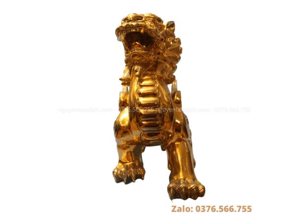 Tượng kỳ lân mạ vàng