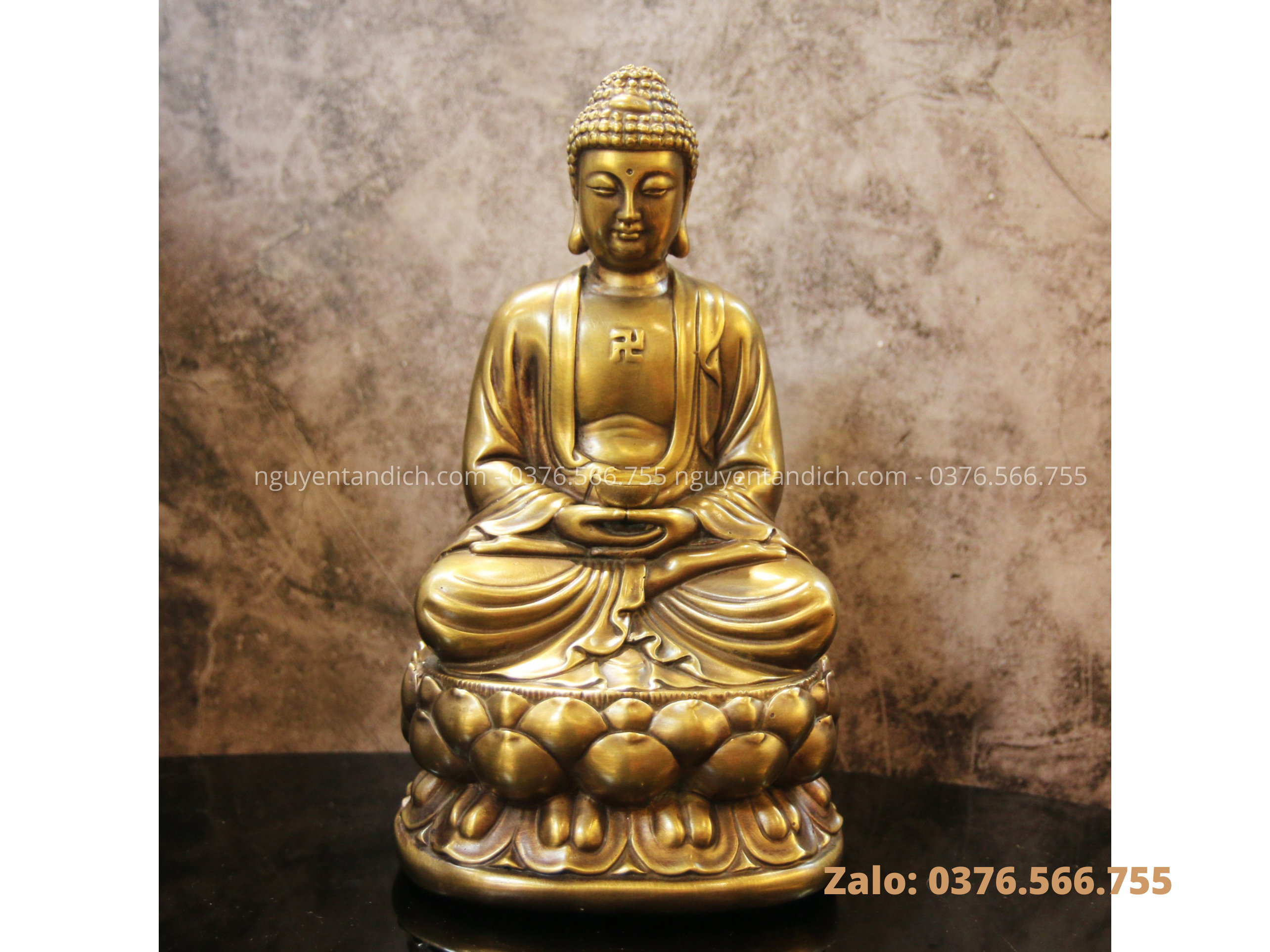 Tượng Phật A Di Đà bằng đồng trang trọng
