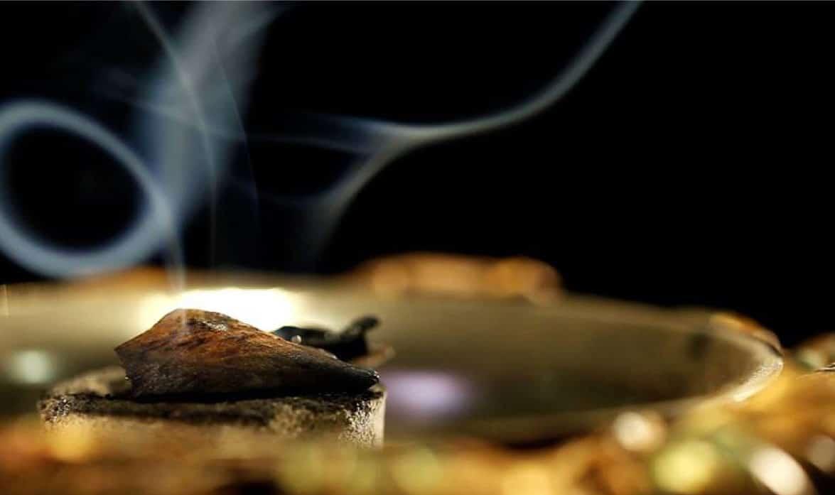 Trầm hương thật có hương dịu nhẹ lâu bền