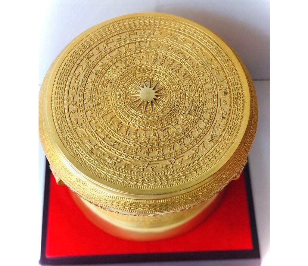 Trống đồng mạ vàng mô phỏng trống đồng Đông Sơn cổ