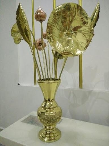 Bình hoa sen bằng đồng